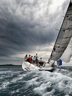 make a trip with a sailing ship