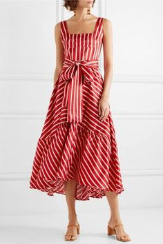 This lovely red dress but in the longer version Marine Look, Vetement Fashion, Satin Midi Dress, Full Circle Skirts, Striped Maxi Dresses, Mode Outfits, Ladies Dress Design, Mantel, Beautiful Dresses