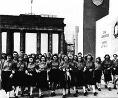 1950 Am Brandenburger Tor FDJ Pfingsten 1950