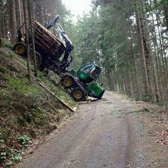 John Deere 1110E 8-wheel forwarder