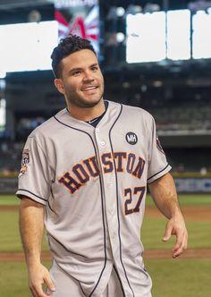Jose Altuve, Houston Astros, World Series Champs Baseball Records, Baseball Boys, Baseball Games, Baseball Field, Softball, Mlb Players, Baseball Players, Astros World Series, Arizona Diamondbacks
