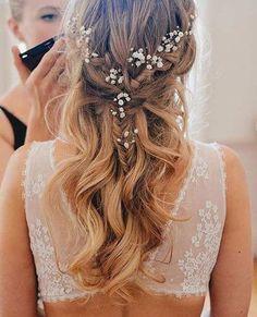Simple Wavy Half Up Wedding Hairstyle #weddinghairstyles