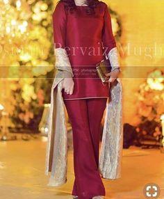 Wedding dresses indian fusion anarkali suits 15 Ideas for 2020 Pakistani Fancy Dresses, Pakistani Fashion Party Wear, Pakistani Wedding Outfits, Pakistani Dress Design, Indian Fashion, Stylish Dresses For Girls, Stylish Dress Designs, Designs For Dresses, Simple Dresses