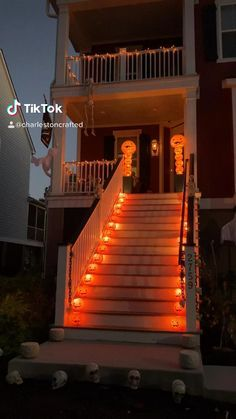 Comida De Halloween Ideas, Casa Halloween, Halloween Outside, Looks Halloween, Halloween This Year, Outdoor Halloween Lights, Haloween Ideas, Halloween Lighting, Girl Halloween