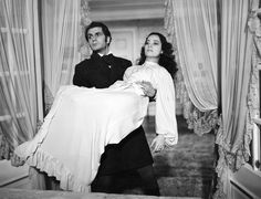 Wuthering Heights (1939) - Laurence Olivier and Merle Oberon