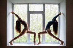 Piękne kobiety Robienie yoga Obrazek Stockowy