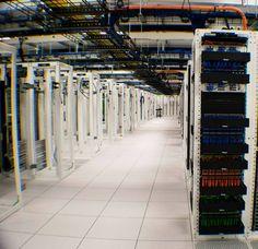 Кто бы мог подумать, что между предприятием на фото и таким понятием, как веб-хостинг, может быть связь! На самом деле это - датацентр, сдающий тысячи серверов в аренду сотням компаний, предоставляющих хостинг, и прочему онлайн-бизнесу
