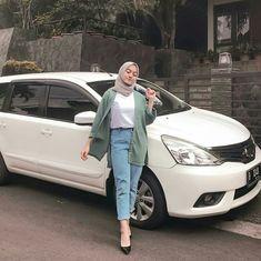 New Ideas Style Hijab Casual Pants – Hijab Fashion 2020 Modern Hijab Fashion, Street Hijab Fashion, Hijab Fashion Inspiration, Muslim Fashion, Fashion Ideas, Geek Fashion, Photoshoot Inspiration, Fashion Games, Trendy Fashion