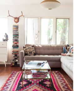 Antler Décor- 12 AMAZING Styling Ideas {Rosa Beltran Designs}