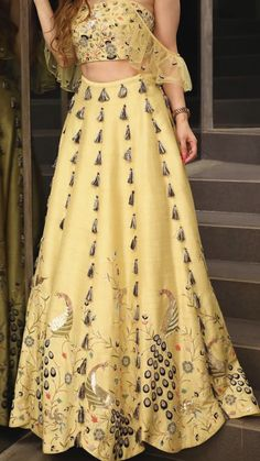 Party Wear Indian Dresses, Gala Dresses, Indian Wedding Outfits, Girls Party Dress, Pakistani Dresses, Choli Designs, Lehenga Designs, Designer Anarkali Dresses, Designer Dresses
