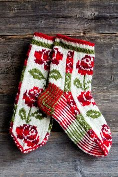 Wool socks knitted in Finland. Why am I so fascinated with color work? Wool socks knitted in Finland. Why am I so fascinated with color work? Crochet Socks, Knit Mittens, Mitten Gloves, Knitting Socks, Hand Knitting, Knit Crochet, Knitting Patterns, Crochet Patterns, Patterned Socks