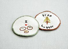 DIY merit badges: Free pattern and tutorial from Lilla Luise.