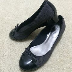 Kelly&Katie Wedge Great for work, in excellent condition. Worn once. Size 7.5 but fits like an 8. Fabric Upper-Balance man made materials. Great for work. See photos PayPalTrades Kelly & Katie Shoes Flats & Loafers