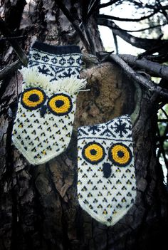 combining two favorites: latvian mittens and owls!
