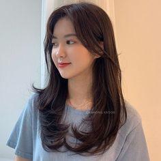 Korean Long Hair, Korean Hair Color, Asian Short Hair, Asian Hair, Korean Haircut Long, Medium Hair Cuts, Long Hair Cuts, Medium Hair Styles, Curly Hair Styles
