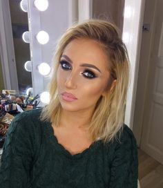 #Smoked #eyes for a glammed look to NYE.