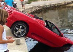 http://www.infomotori.com/auto/2012/01/31/incidenti-ferrari-tutti-i-crash-piu-curiosi/ #incidente #crash #Ferrari