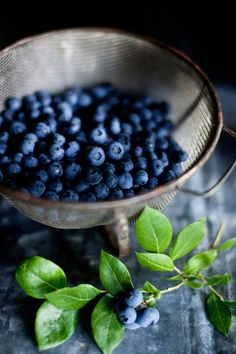 The 20 Best Foods to Eat for Breakfast Blueberry Fruit, Growing Blueberries, Blackberries, Fruit Photography, Good Foods To Eat, Best Breakfast Recipes, Acai Berry, Fruits And Vegetables, Veggies