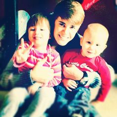 Justin Bieber ♥ awe his lil' bro and lil' sis s oadorbs
