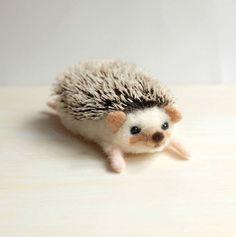 Amazing Needle felting wool animals pet hedgehog(Via yucococafe)