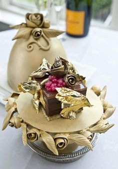 04f31e147a The Faberge Easter Egg s made of chocolate
