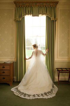 Long wedding veil - Cameo Photography