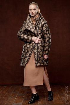 Пальто из стеганной ткани на термоутеплителе - J.Perekriostova