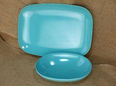 Vintage Fostoria Melamine Melmac Blue bowl and sauce / gravy boat mid century*et…