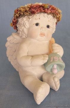DREAMSICLES PLASTER CHERUB FIGURINE with BELL of 1995 KRISTIN