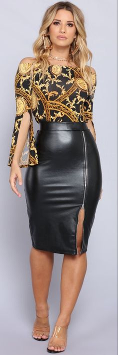 Golden Glam Treasure Top - Black/Gold with black leather pencil skirt Black Leather Pencil Skirt, Black Pencil, Looks Pinterest, Look Fashion, Womens Fashion, Steampunk Fashion, Gothic Fashion, Leder Outfits, Leather Dresses