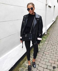 All black outfit Black biker jacket Black Gucci loafers All Black Outfits For Women, Black And White Outfit, Black Women Fashion, Look Fashion, Trendy Fashion, Fashion Mode, Trendy Style, Womens Fashion, All Black Outfit For Work