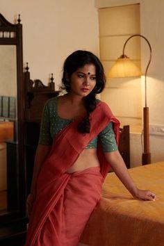 White Tamara Blouse – The Kaithari Project Beautiful Girl Indian, Most Beautiful Indian Actress, Beautiful Saree, Aunty In Saree, South Indian Actress Hot, Beauty Full Girl, Beauty Women, Saree Photoshoot, Saree Models