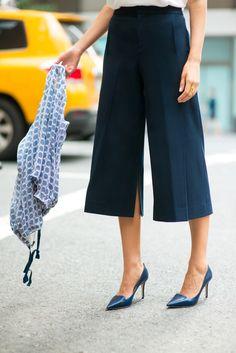 h+navy+wool+club+monaco+wide+leg+culottes+gauchos+silk+printed+blue+and+white+bomber+lightweight+jacket+white+spaghettie+strap+v-neck+camisole+white+silk+top+jimmy+choo+navy+embossed+pumps+summer+work+wear+office+attire+fashion+street+style+blog.jpg (640×959)