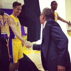 @SteveNash meets Lakers play-by-play man Bill Macdonald for the 1st time. #LakersCamp