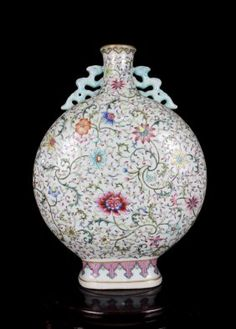 A Rare and Fine Antique Chinese Qing Famille Rose Lotus Porcelain Moonflask Vase with a Mark of Qianlong, Size: H*D 38*28*10cm.