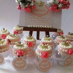 Cute Idea for storage on my desk and shelf. I would tweek it to my own style. Baby Shower Favors, Baby Shower Decorations, Wedding Decorations, Diy Craft Projects, Diy And Crafts, Projects To Try, Wedding Favors, Party Favors, Wedding Gifts