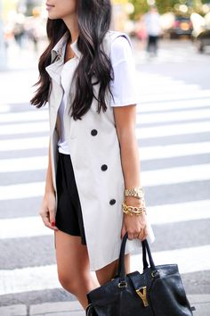 Kat Tanita of With Love From Kat wears a sleeveless trench coat vest with a Kain T shirt, Maje shorts, Dolce Vita leopard flats, and Saint Laurent bag. Plaid Fashion, Fashion Outfits, Fashion Trends, Fashion Bloggers, Style Fashion, Fashion Ideas, Plaid Outfits, Casual Outfits, Casual Wear