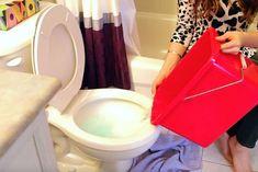 Nikto nechápal, že jej kúpelňa vonia tak nádherne. Až ale uvidíte tento jednoduchý trik, vyskúšate to tiež! - chillin.sk
