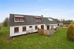 Holsmyrevejen 3, 3730 Nexø - Flot indflytningsklar ejendom på landet - nær Snogebæk. #nexø #fritidshus #boligsalg #selvsalg