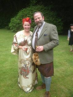 Angel Adoree and Dick Strawbridge. Love kimono's and kilts! 40s Style, Retro Style, Angel Adoree, Angel Strawbridge, Praying For Our Country, Nice Houses, French Property, Chateaus, French Chateau
