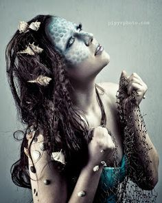 Gorgeous detailed mermaid costume and makeup idea for Halloween - special effects makeup Cool Halloween Makeup, Halloween Cosplay, Halloween Make Up, Halloween 2016, Halloween Costumes, Sfx Makeup, Costume Makeup, Witch Makeup, Makeup Art