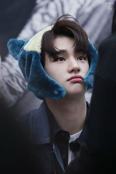 Hyunjin you need to stop with that face