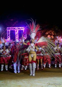 Carnaval, reina, pluma, plumaje, bailarina, comparsa, scola, bastonera