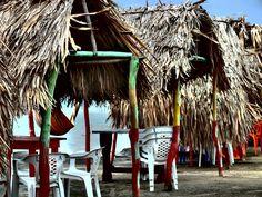 Chozas de alquiler playa Puerto Velero. Barranquilla. Atlántico. Colombia By Iván Lara Vargas www.sermejorfotografo.blogspot.com ilara@iyl.com.co
