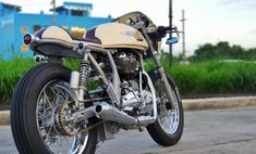 Continental, Cafe Racer Build, Cool Cafe, Royal Enfield, Queen, Cafe Racers, Biker, Motorcycles, Classic
