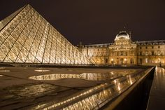L'Europe 2016! Part I: Paris - Emma Mullins Photography. Le Louvre at night! City of lights, spring 2016.