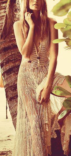 boho, feathers + gypsy spirit ♪ ♪... #inspiration #crochet #knit #diy GB http://www.pinterest.com/gigibrazil/boards/