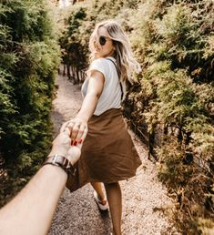 Romantic Couple Travel Destination Ideas in California - Travel İdeas - Urlaub Trendy Summer Outfits, Simple Outfits, Fashion Images, Fashion Models, Fashion Clothes, Trending Sunglasses, Latest Sunglasses, Desert Fashion, Summer Sunglasses