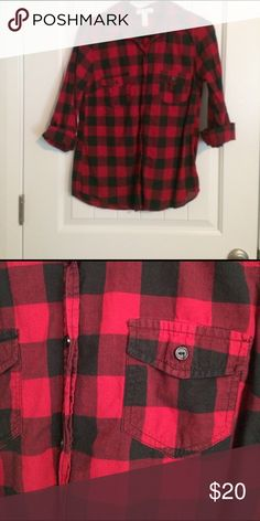 Plaid shirt Worn once Tops Tees - Short Sleeve