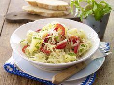 Sauerkrautsalat mit Paprika und Ananas